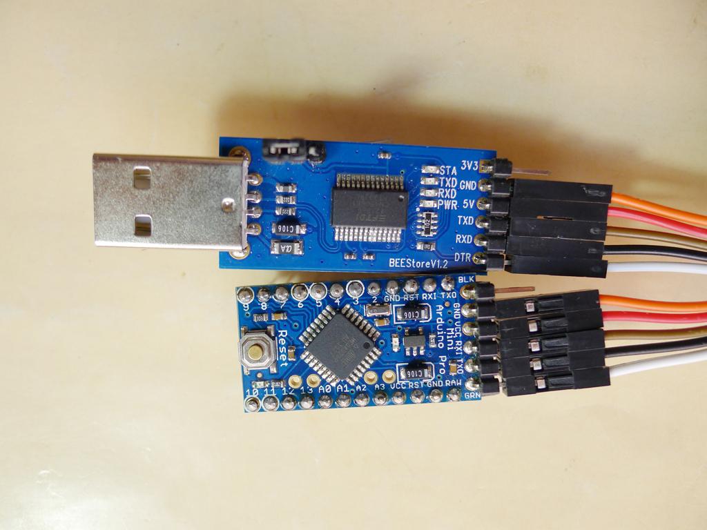 针对你的模块的接线表: USB转TTL模块 pro mini GND GND TXD RXD RXD TXD VCC 5V(3.3V)根据工作电压选取 你这个模块没有复位引脚(DTR),下载程序时要按一下 pro mini的复位按钮。