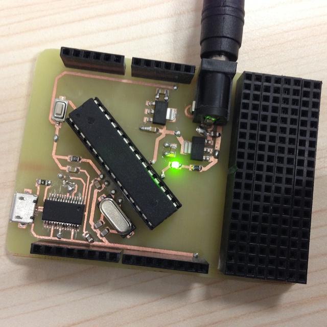 带面包板的arduino