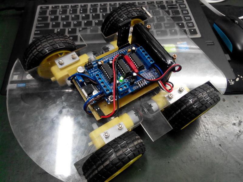 arduino_蓝牙小车 - powered