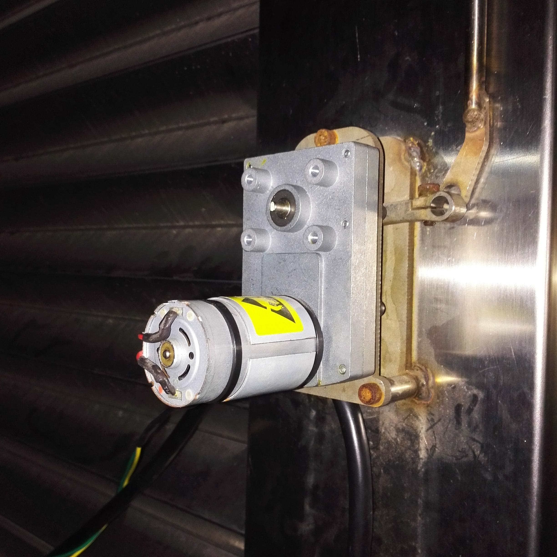 拆了电路板后成为直流电机